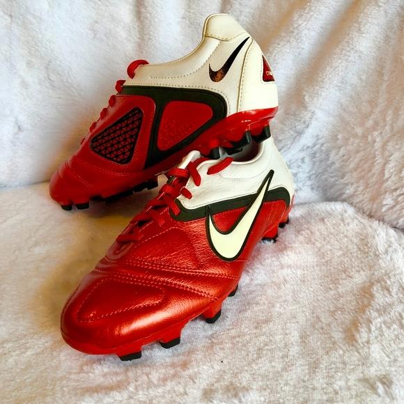 online retailer 1b28f 372cc Nike Libretto Red   White Cleats, Mens 8.5. M 5a99695d8af1c54e13c80d9c